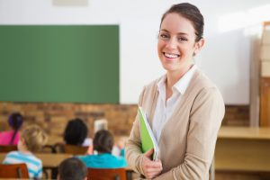 Mujeres y regiones: tendencia en Magíster en Chile para profesionales de la Educación