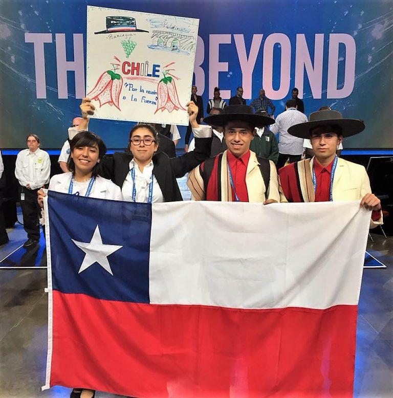 """Dos delegaciones representaron a Chile en el """"mundial"""" de ciencia escolar en EE.UU."""