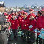Álbum Explora sobre el océano fue presentado en buque científico Cabo de Hornos