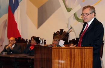 Presidente Hamuy interviene en conferencia sobre educación de las ciencias