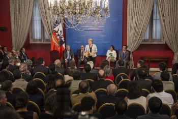 Presidenta Bachelet firma Proyecto de Ley que crea el Ministerio de Ciencia y Tecnología