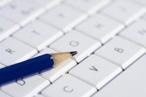 imagen.jpg de teclado y lápiz