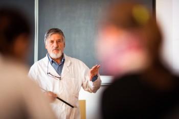 PAI abre Concurso de atracción de científicos  de excelencia del extranjero