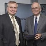 Destacado neurobiólogo estadounidense recibe Premio Abate Molina de CONICYT