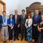 Ministro Couve sostiene reunión con el embajador del Reino Unido