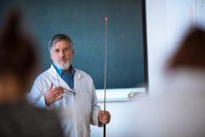 CONICYT adjudica proyectos que incorporarán científicos extranjeros de excelencia a universidades regionales