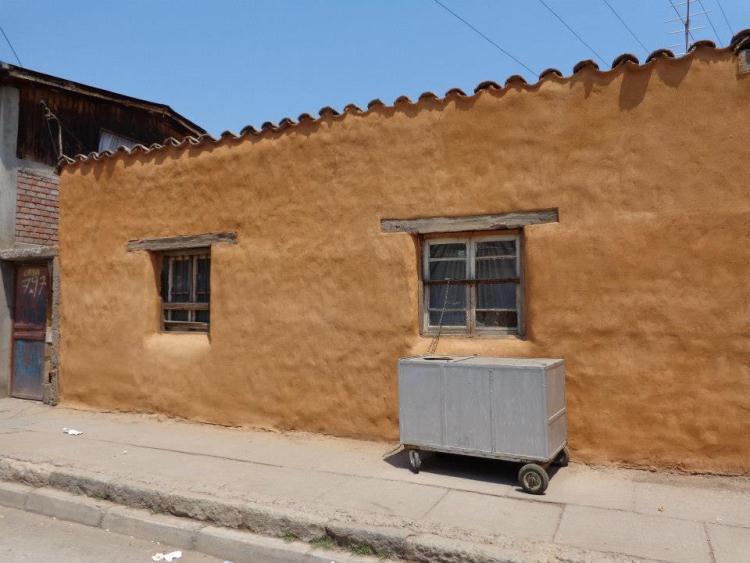 Con tradicionales t cnicas de construcci n restauran for Fachadas de casas de barrio