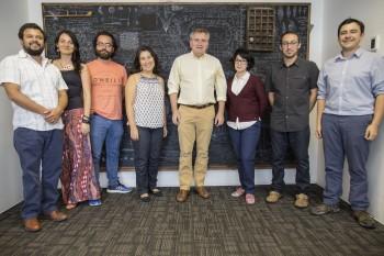 Doctor Mario Hamuy analizó aspectos del MINCYT con asociaciones de jóvenes investigadores