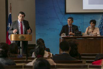 Director Ejecutivo de CONICYT participa en seminario CRUCh