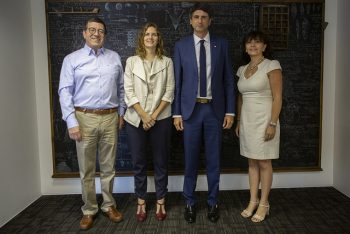 Ministro Couve y subsecretaria Torrealba compartieron con funcionarios de CONICYT